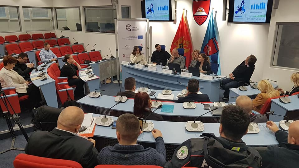 "Panel diskusija ""BORBA PROTIV NASILNOG EKSTREMIZMA NA LOKALNOM NIVOU"""